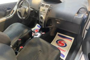 TOYOTA YARIS BOITE AUTO 1.3L VVT-I 87CV MODELE LUNA MULTIMODE