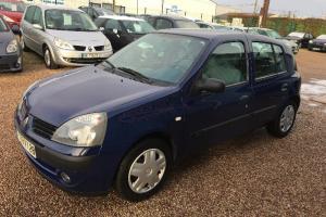 Renault clio 2 1.5l dci 65cv modele campus bleu foncé 2005